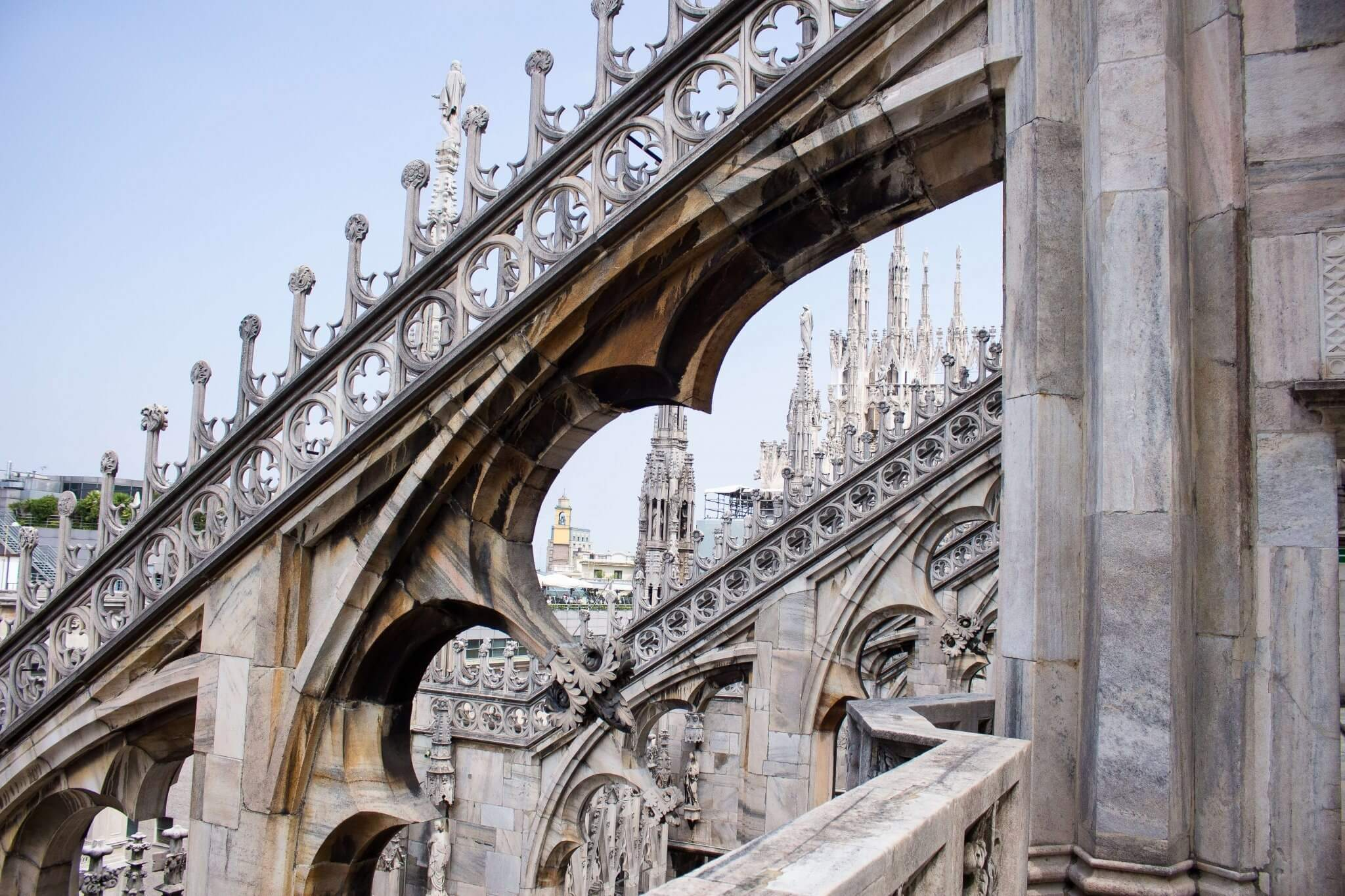 Milano; Travel Guide; architecture; food; pizza; drinks; la rinascente; duomo di milano