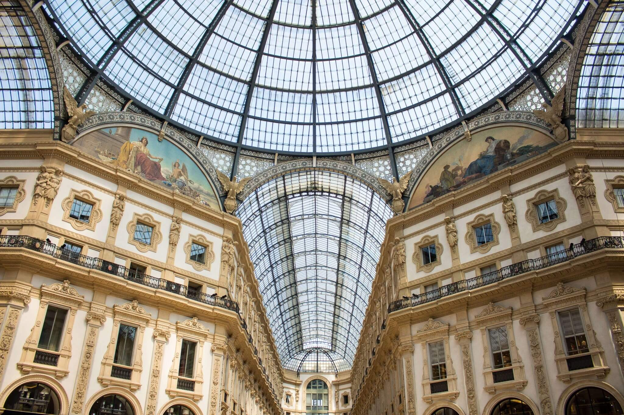 Milano; Travel Guide; architecture; food; pizza; drinks; la rinascente; Galleria